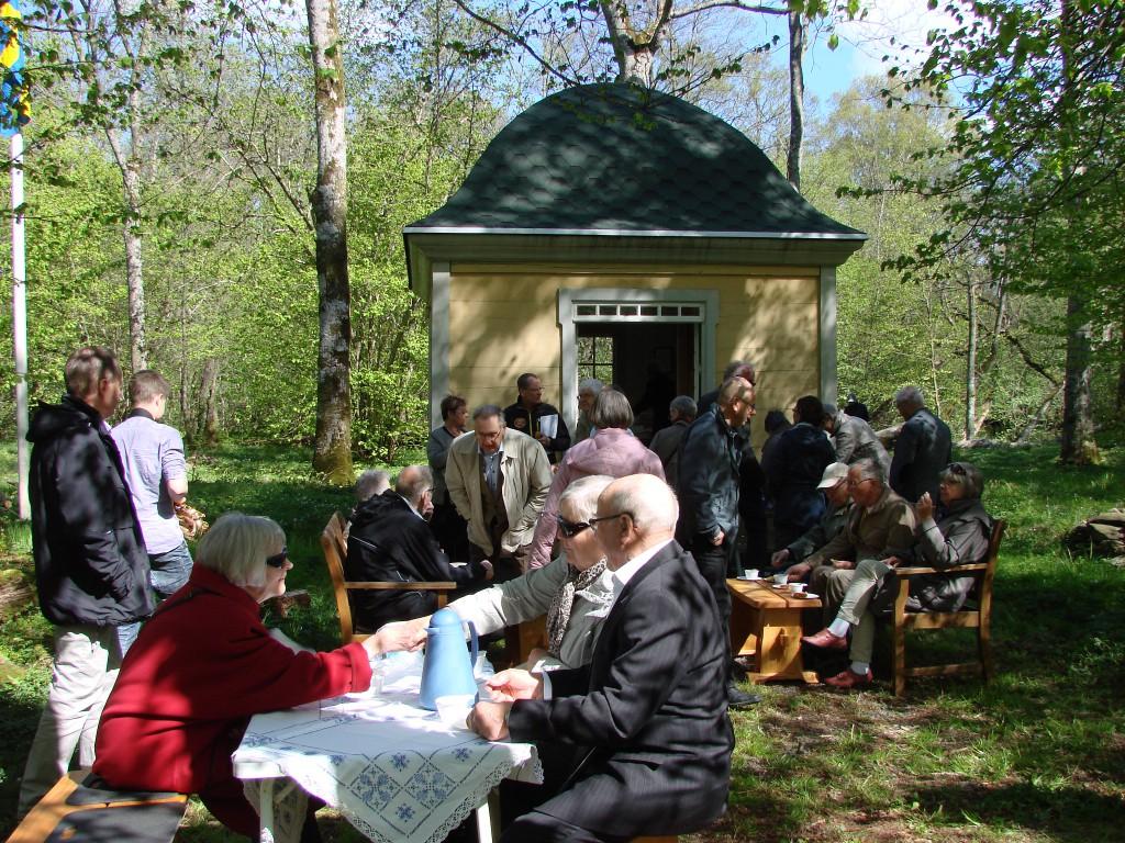 Kyrkkaffe vid Lusthuset på Prästgårdsön 4 maj 2014